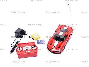 Машина Ferrari, на управлении, 8118