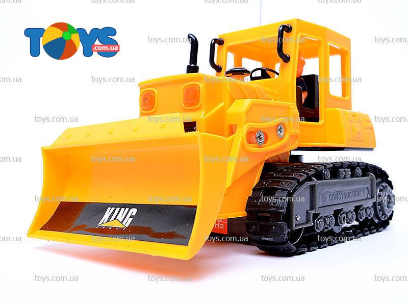 Радиоуправляемый трактор - бульдозер Т-130 в 43 масштабе.